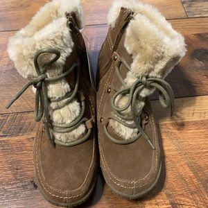 Baretraps stay dry brown/tan boots NEW Sz 7.5